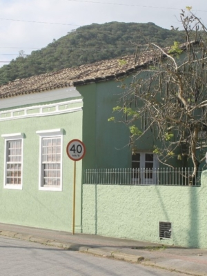 Espaço Cultural Armazém – Coletivo Elza celebra novo endereço em Sambaqui