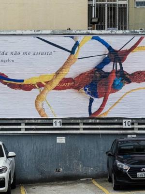 Exposição em outdoors promove reflexão sobre o momento atual do país